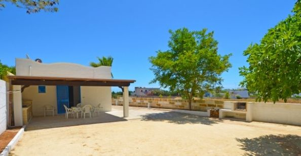 Vistas exteriores del alojamiento Alquiler Casa 45348 Pescoluse