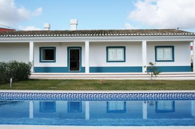 Vistas exteriores del alojamiento Alquiler Villa 76298 M�rtola