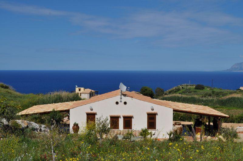 Vistas exteriores del alojamiento Alquiler Villa 66027 Scopello
