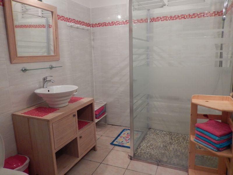 cuarto de baño Alquiler Apartamento 82066 Saint Francois
