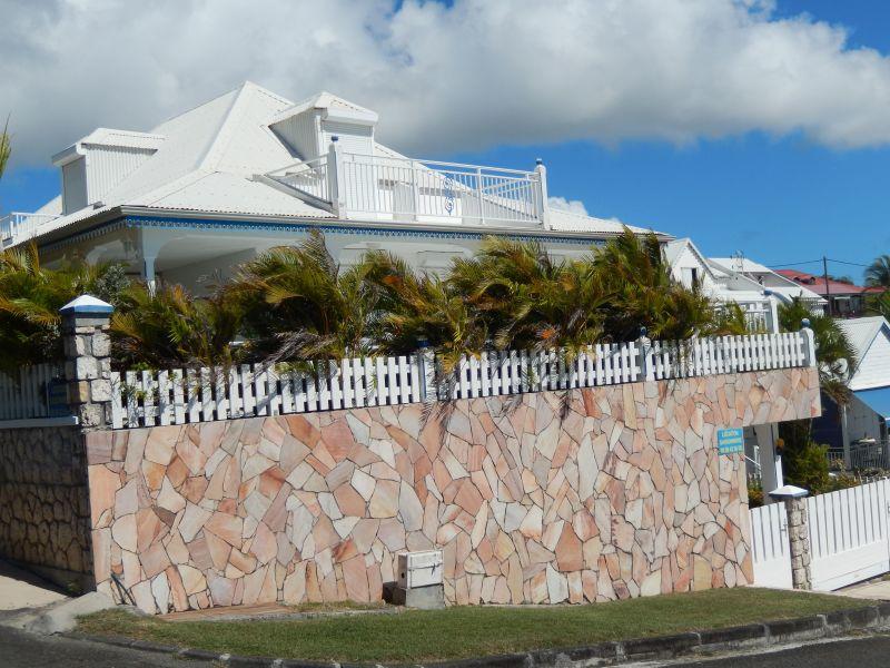 Vistas exteriores del alojamiento Alquiler Apartamento 82066 Saint Francois