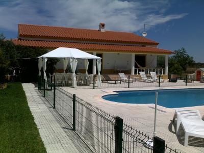 Vistas exteriores del alojamiento Alquiler Villa 38435 Nisa