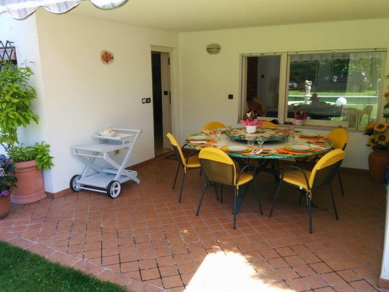 Entrada Alquiler Villa 61113 Garda