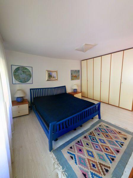 dormitorio 1 Alquiler Villa 61113 Garda