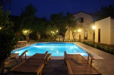 Piscina Alquiler Villa 62199 Cefal�