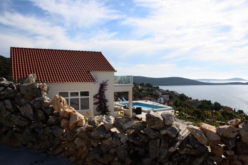 Vistas exteriores del alojamiento Alquiler Casa 114405 Trogir