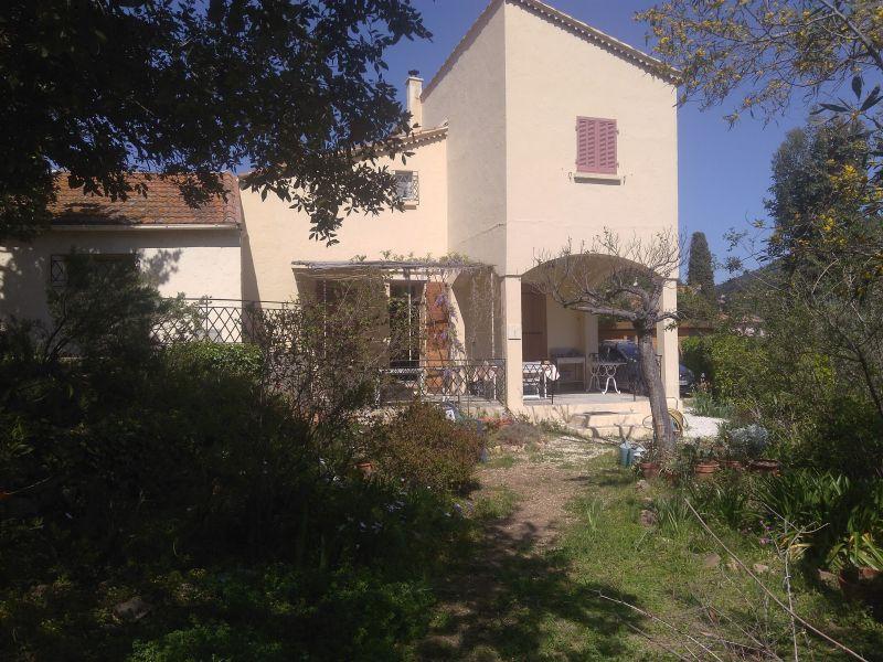 Vistas exteriores del alojamiento Alquiler Villa 115101 Le Pradet