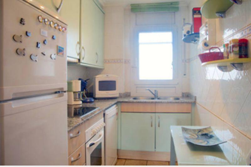 Cocina independiente Alquiler Apartamento 8306 Rosas