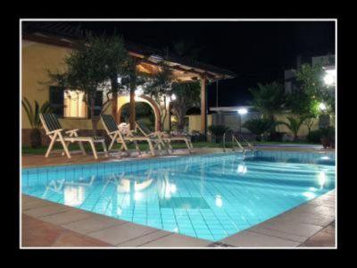 Piscina Alquiler Villa 115131 Caserta