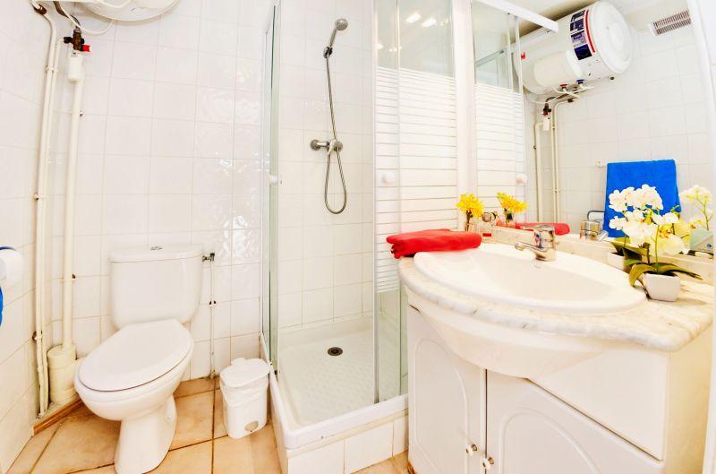 cuarto de baño Alquiler Apartamento 68566 La Londe les Maures