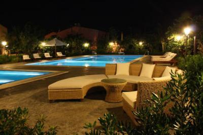 Piscina Alquiler Villa 76789 Cefal�