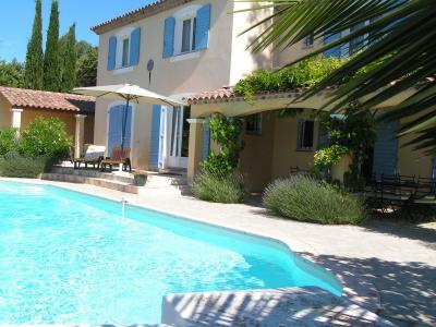 Vistas exteriores del alojamiento Alquiler Villa 98164 Carc�s