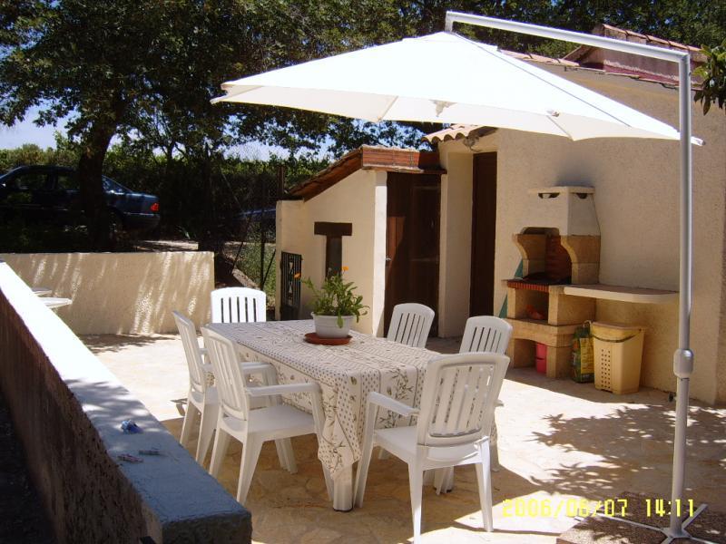 Cocina de verano Alquiler Casa rural 69702 Uzès