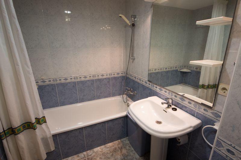 Aseo Alquiler Apartamento 111108 Calella de Mar